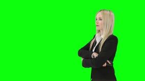 Mujer delante de Nueva York almacen de metraje de vídeo