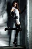 Mujer delgada joven del goth Foto de archivo