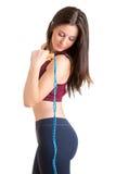 Mujer deportiva con la cuerda de salto Fotografía de archivo
