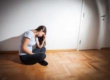 Mujer deprimida de la depresión Imágenes de archivo libres de regalías