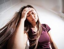 Mujer deprimida de la depresión Fotos de archivo