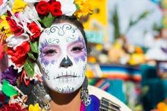 Mujer desconocida en el décimo quinto día anual el festival muerto Foto de archivo