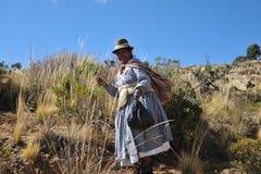 Mujer desconocida en la isla de la luna Foto de archivo libre de regalías