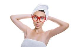 Mujer después de bañar Imagenes de archivo