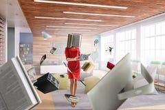 Mujer dirigida libro Concepto de la eficacia del negocio T?cnicas mixtas imagen de archivo