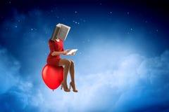 Mujer dirigida libro Concepto de la eficacia del negocio T?cnicas mixtas fotos de archivo libres de regalías