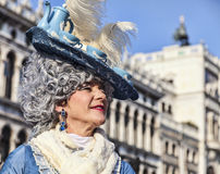 Mujer disfrazada Foto de archivo libre de regalías