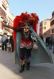 Mujer disfrazada divertida Imágenes de archivo libres de regalías