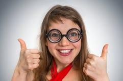 Mujer divertida del friki o del empollón Imagen de archivo
