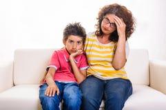 Mujer divorciada con el niño Imagenes de archivo
