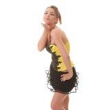 Mujer dulce del youg en alineada amarilla Imagen de archivo