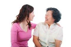 Mujer e hija mayores asiáticas fotos de archivo libres de regalías