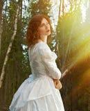 Mujer el bosque místico Imagen de archivo libre de regalías