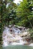 Mujer el las caídas Jamaica de Dunn Foto de archivo libre de regalías