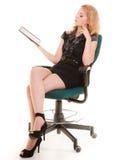 Mujer elegante con el panel táctil del ordenador de la PC de la tableta Imagen de archivo