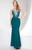 Mujer elegante en vestido de noche Imagen de archivo libre de regalías