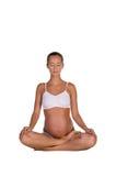 Mujer embarazada en la presentación de la yoga fotos de archivo libres de regalías