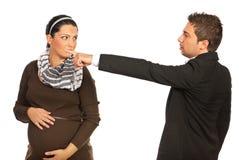 Mujer embarazada encendida encargado Foto de archivo