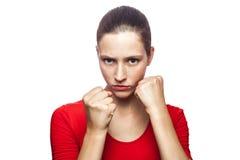 Mujer emocional con la camiseta y las pecas rojas Fotografía de archivo libre de regalías