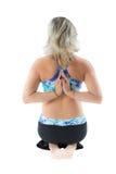 Mujer en actitud de la yoga en aislado fotografía de archivo libre de regalías