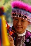 Mujer en alineada de la tribu de la colina Foto de archivo libre de regalías