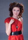 Mujer en alineada roja de la vendimia Imagen de archivo