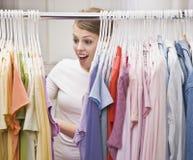Mujer en armario Imágenes de archivo libres de regalías
