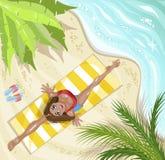 Mujer en asana de la yoga en la playa Concepto para las vacaciones, el día de fiesta y el viaje Deporte del verano Visión superio libre illustration