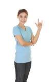 Mujer en camiseta con la muestra de la mano te amo Imágenes de archivo libres de regalías