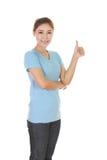 Mujer en camiseta en blanco con los pulgares para arriba Imagen de archivo
