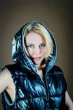 Mujer en chaqueta foto de archivo