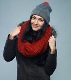 Mujer en chaqueta del invierno Imagen de archivo libre de regalías