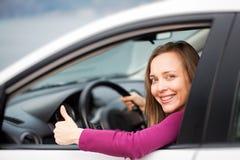 Mujer en coche fotografía de archivo libre de regalías