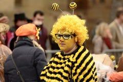Mujer en el desfile de carnaval, Stuttgart de la abeja Fotos de archivo libres de regalías
