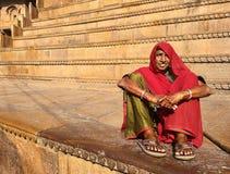 Mujer en el fuerte de Jaisalmer Imagen de archivo libre de regalías