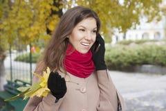Mujer en el otoño Foto de archivo