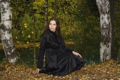 Mujer en el parque 1 del otoño Fotografía de archivo