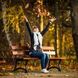 Mujer en el parque Fotos de archivo