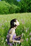 Mujer en el prado Imagen de archivo libre de regalías