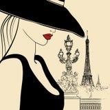 Mujer en el puente de Alexander III en París