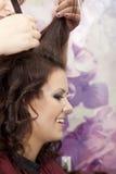 Mujer en el salón de pelo Imágenes de archivo libres de regalías