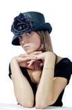 Mujer en el sombrero negro 2 fotografía de archivo