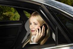 Mujer en el teléfono Fotos de archivo libres de regalías