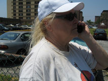 Mujer en el teléfono celular Imagenes de archivo