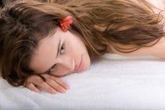 Mujer en el vector del masaje fotos de archivo libres de regalías