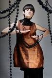 Mujer en fondo del club del disco Imagen de archivo