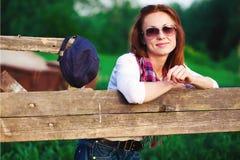 Mujer en granja Imagenes de archivo