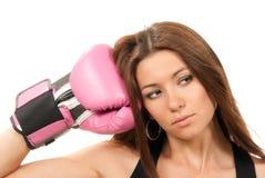 Mujer en guantes de boxeo rosados Fotografía de archivo libre de regalías