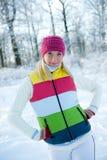 Mujer en la ropa del invierno al aire libre Imágenes de archivo libres de regalías