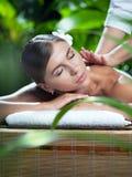 Mujer en masaje Imagen de archivo libre de regalías